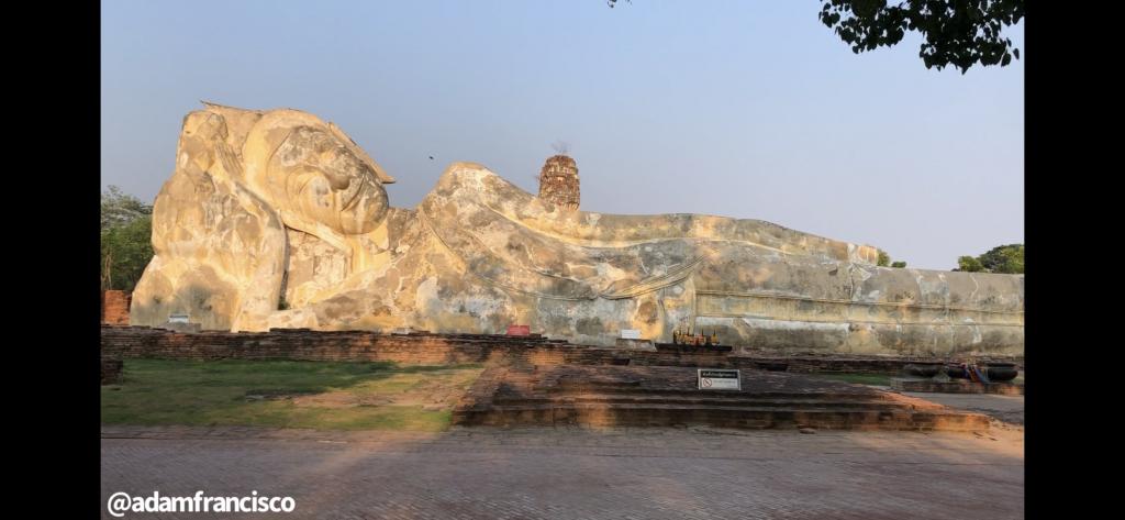 Reclining Buddha Wat Lokaya Sutha