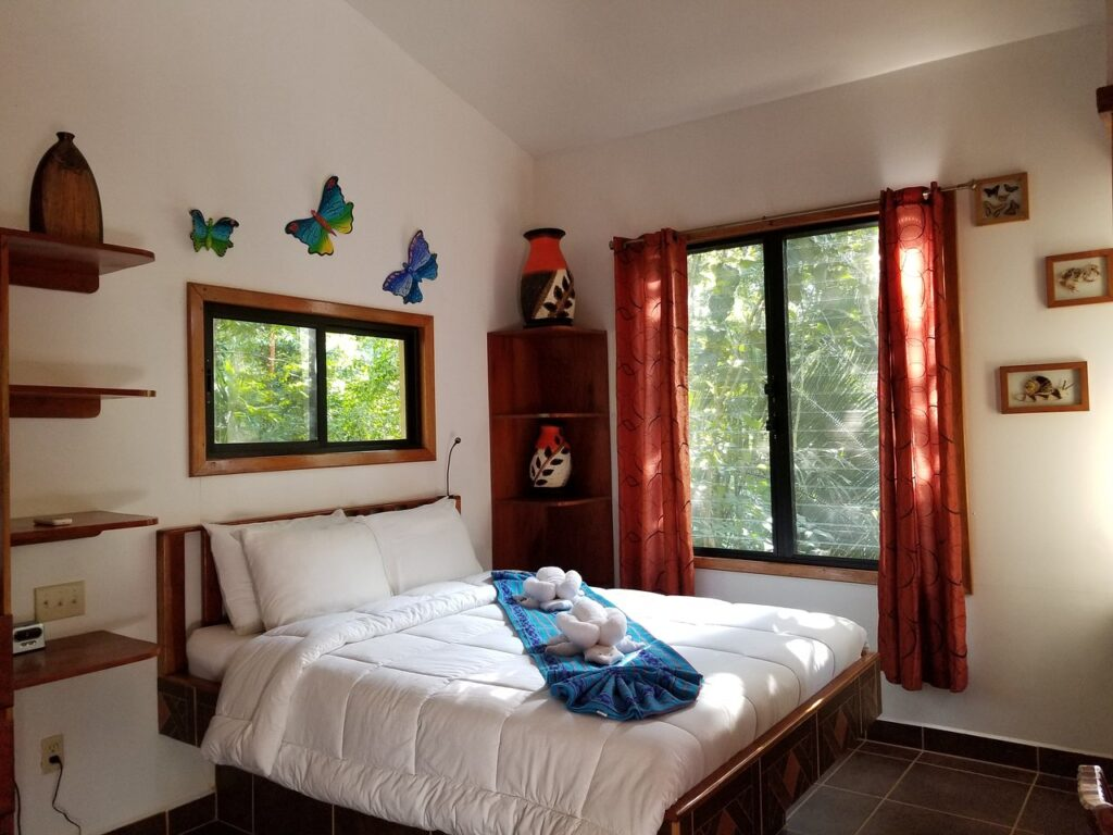 Mariposa Jungle Lodge Iguana room